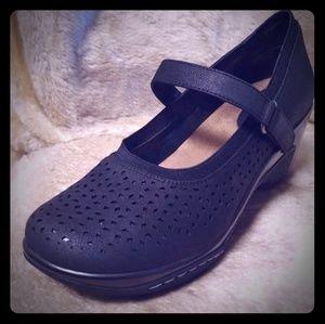 NWT Rialto Wedge Mary Jane Shoes 11M